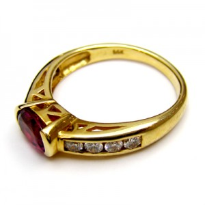 Ruby Rings With Diamond B8RI-018